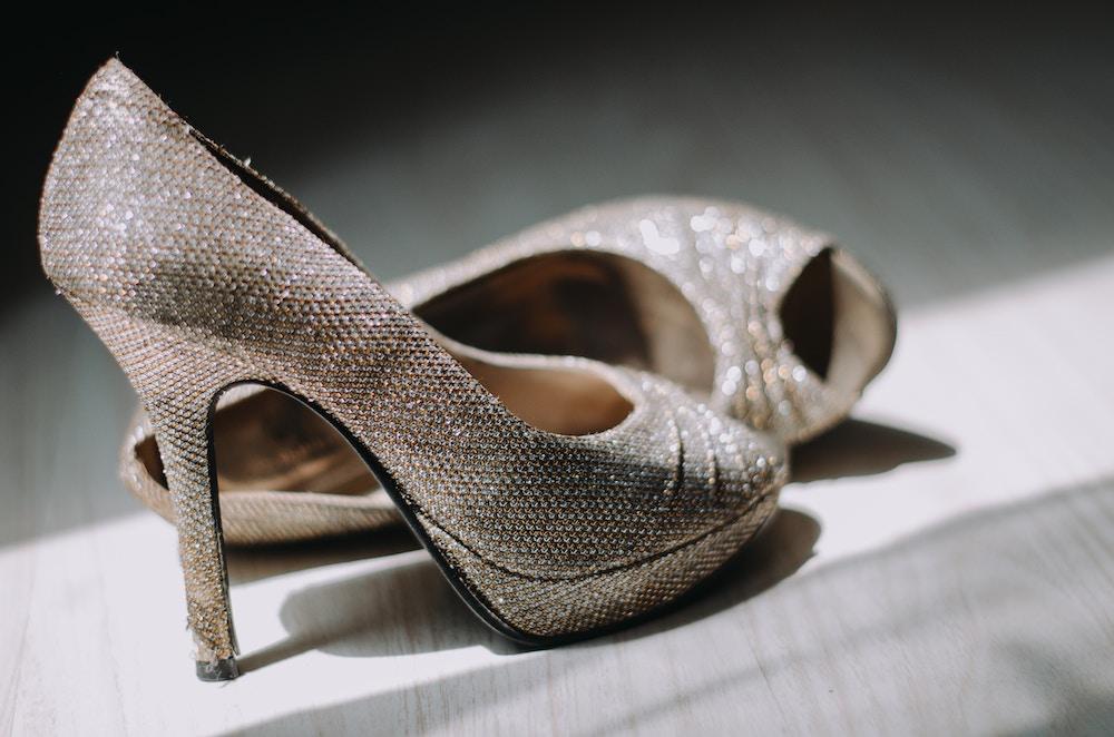 大人女子がスカートファッションで足を長く見せる方法6つ