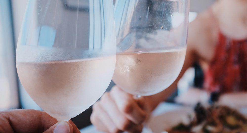 バー・居酒屋…お酒ありのP活デートでパパ活女子が気を付けること6つ(前編)