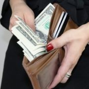 大人ありなのに月2万円!?激安パパ活女子増加中の理由と安すぎる契約を避ける方法