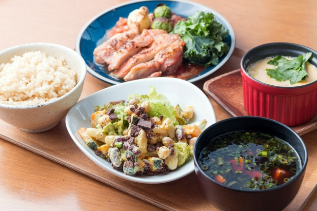 東京アスリート食堂から初の「低GI」メニューが登場!アスショク管理栄養士監修「低GIチョイス定食」を1月16日(木)より期間限定でご提供~正月太りが気になる方や、2020年はカラダ作りに本気の方に~:時事ドットコム