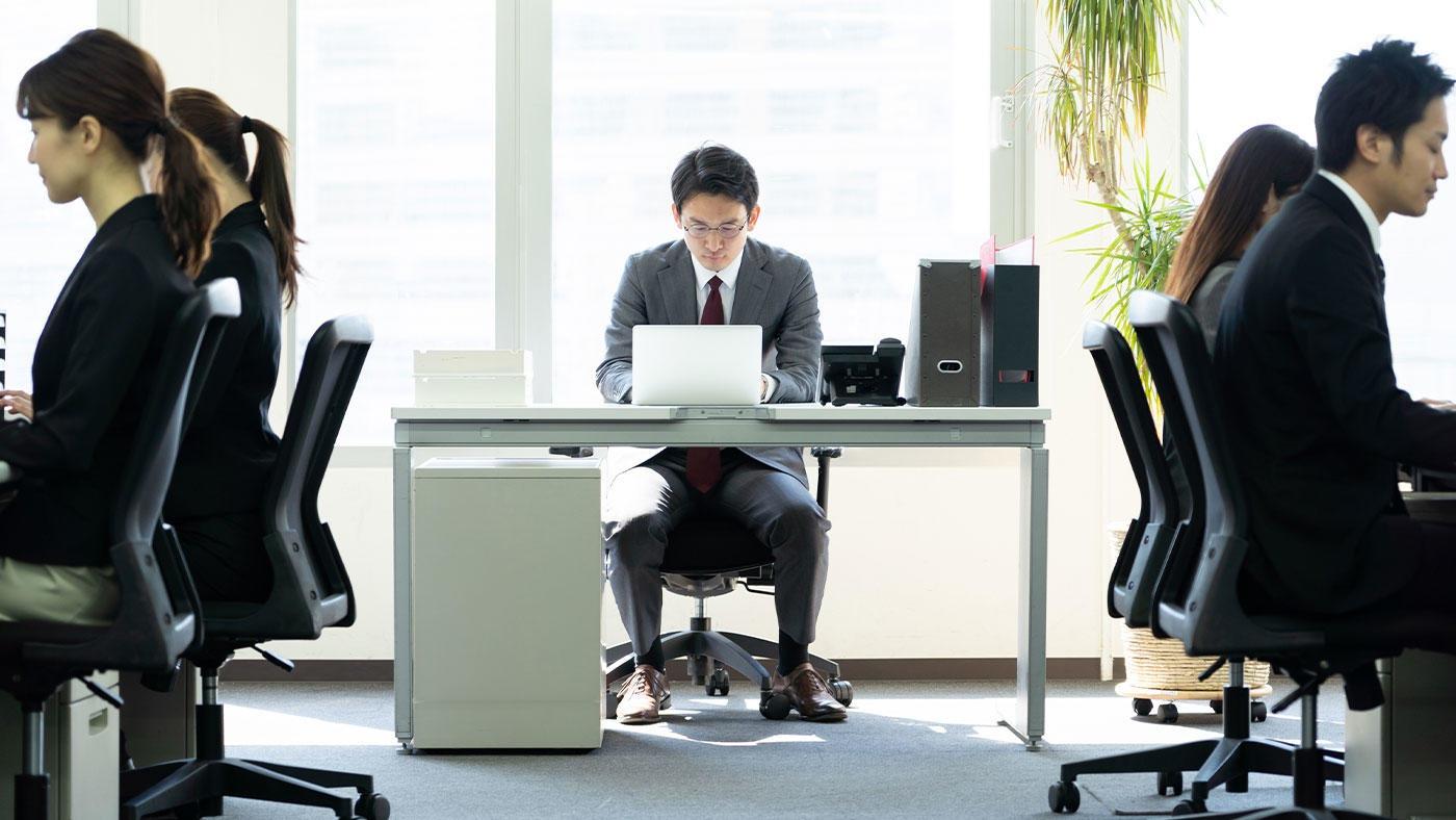 デスクワークの男性は蛋白尿が現れやすい 阪大職員の1万人超の健診データを解析