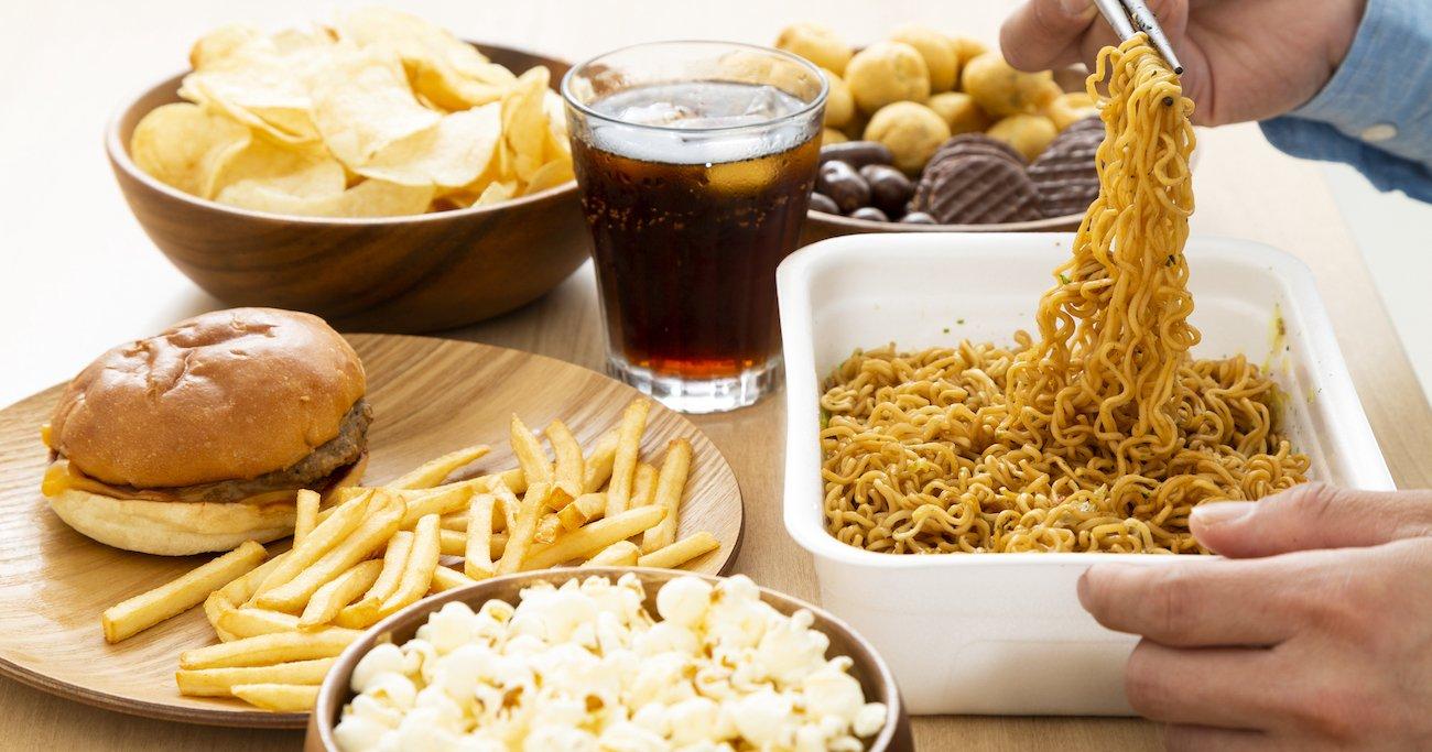 ドカ食いと「意志の弱さ」は無関係!要注意なケースと原因は? | 仕事脳で考える食生活改善 | ダイヤモンド・オンライン