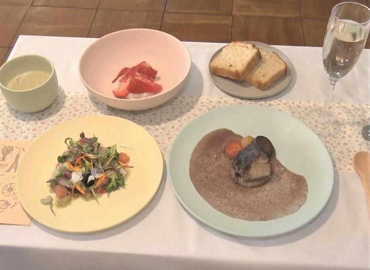 小学校給食にフルコース…有名フレンチシェフが母校に恩返し「この地域で育って良かったと思えるように」(東海テレビ) - Yahoo!ニュース