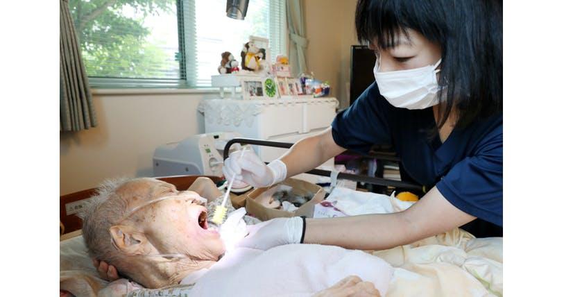 通院難しい高齢者の味方 「訪問歯科医」の活用法 ヘルスUP NIKKEI STYLE