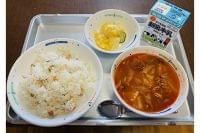 大阪・箕面市が全生徒の給食を「低アレルゲン献立」に変更!特定原材料7品目を基本不使用に、理由を聞く - IRORIO(イロリオ)