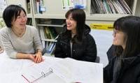 呉高専生、食物アレルギー資料英訳 東広島の外国人世帯向け