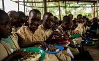 世界の学校給食へのCOVID-19の影響を表す新たなデジタルマップを発表:時事ドットコム
