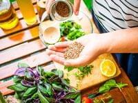 「手のひら」を使うだけ。バランスのよい食事を継続するテクニック | MYLOHAS