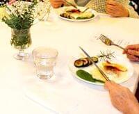 高齢者施設でフレンチのフルコース 小食のお年寄りもペロリ