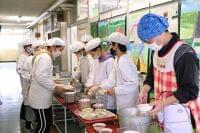 さいたまの小学校で一斉給食 さいたま市産ヨーロッパ野菜味わう - 大宮経済新聞