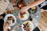 ダイエット中の外食 | メニュー選びのポイントと注意点  | マイナビウーマン子育て
