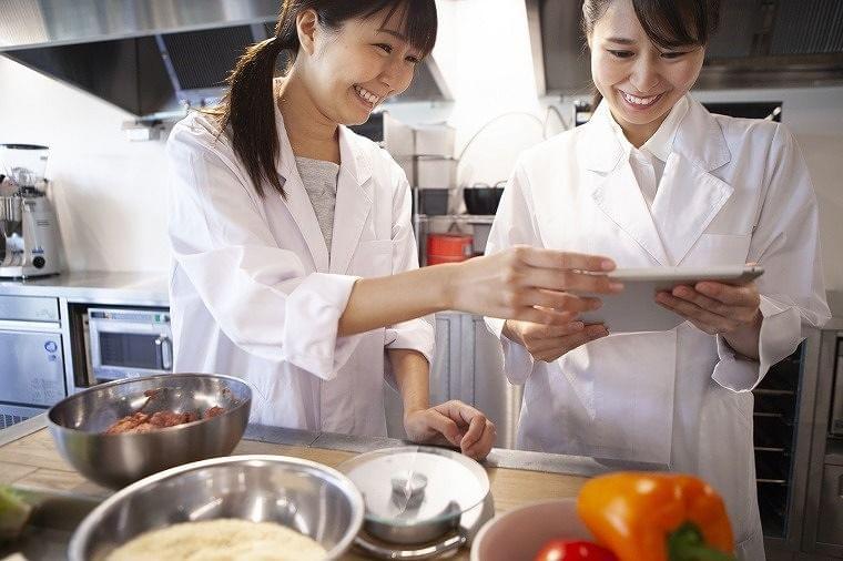 転職・就活活動に役立つ!管理栄養士・栄養士の働き方・仕事内容、各種キャリア構築を紹介
