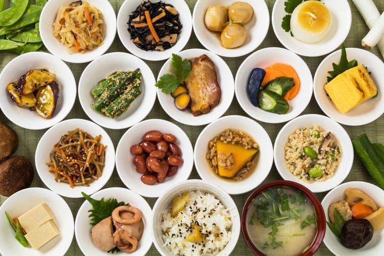 エネルギーをしっかり摂って低栄養を予防する