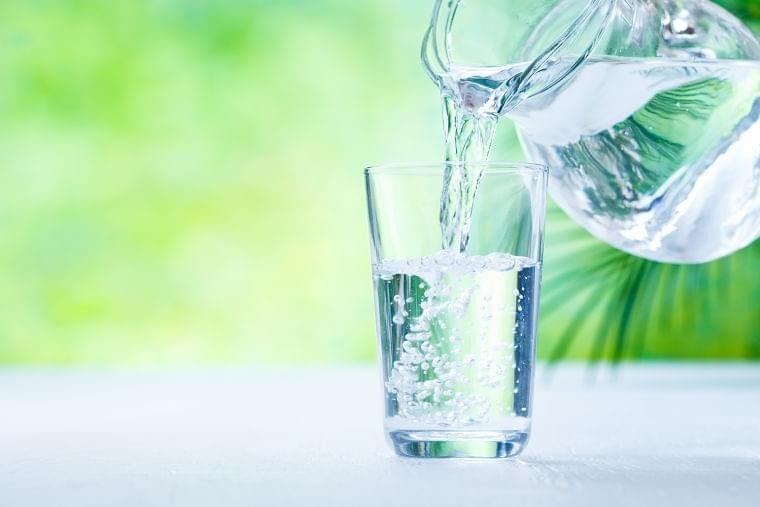 こまめな水分摂取で身体に潤いを与えましょう(会報誌「あはは」連載)