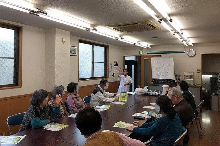 地域サロンでシニア対象の栄養講座を開催