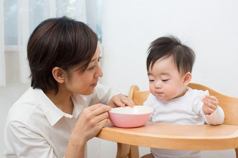 離乳の開始〜完了までの離乳食最新情報を徹底解説!【前編】