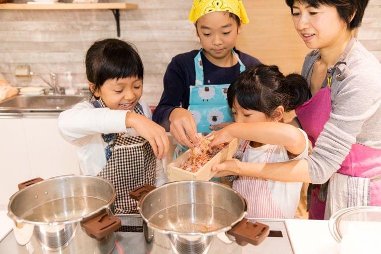 【イベントレポート】カンナ削りの本格かつおだしで楽しむお雑煮の会