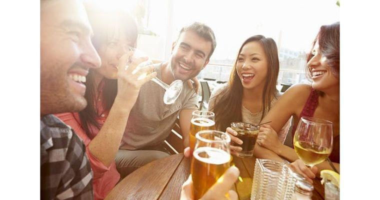 日本酒、ビール、ワイン… 糖質が一番低いのはどれ?|ヘルスUP|NIKKEI STYLE