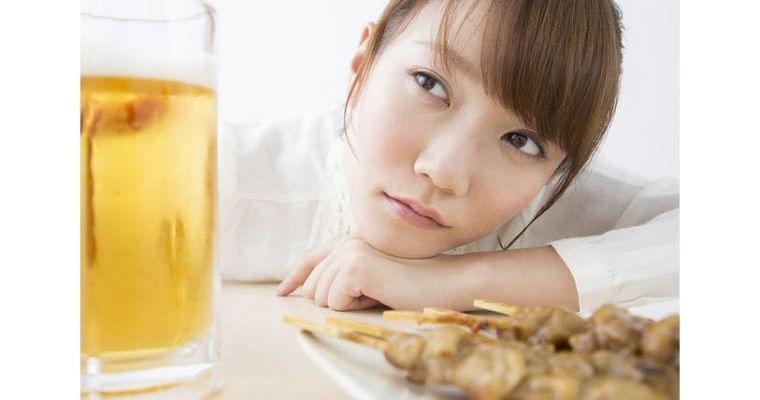 お酒で赤くなる人、ならない人 その違いはなぜ?|ヘルスUP|NIKKEI STYLE
