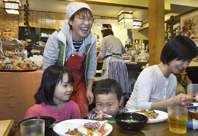 【第7回】思いやり社会を再び 孤食防ぐ「こども食堂」  東京の八百屋から全国へ - 47NEWS