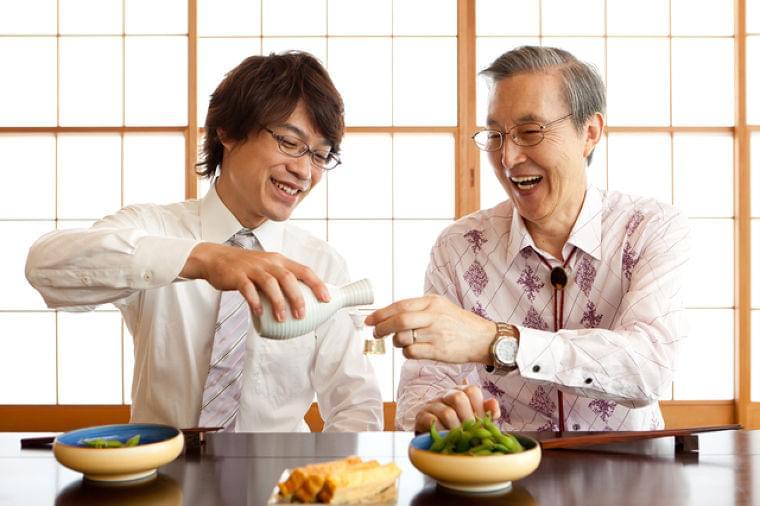 忘年会や新年会…この時期ちょっと心配な暴飲暴食が原因の肝臓病について | 日本老友新聞 [ro-yu.com]