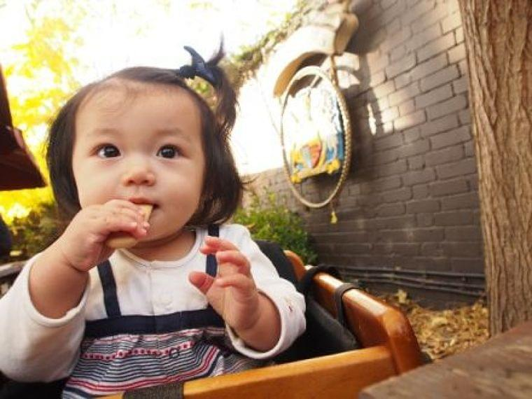 ママに人気の管理栄養士に聞いた!子どもの脳を育てるごはん6「子どもと一緒に料理をすることは「育脳」に最適なトレーニング」 | ハグトピ