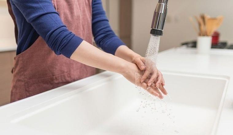 手荒れがバイ菌を定着させる!? 効果的な手の洗い方は | マイナビニュース