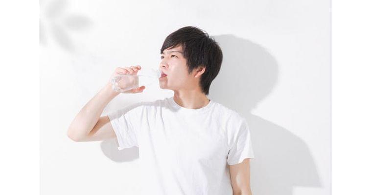 ごっくん運動でのどを筋トレ 飲み込み力、低下防ぐ|ヘルスUP|NIKKEI STYLE
