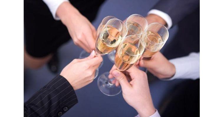 「適量の飲酒なら健康にいい」はウソ?ホント?|ヘルスUP|NIKKEI STYLE