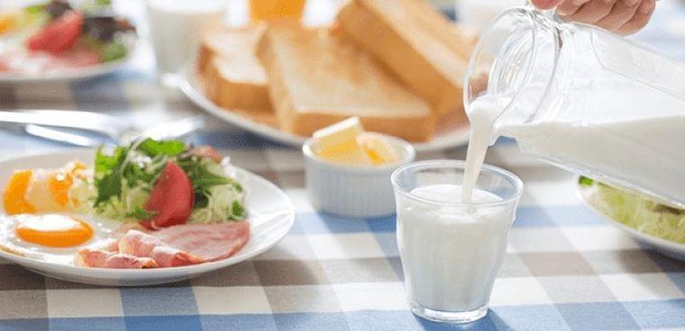 胃痛や胃酸過多に牛乳は効果的ってホント? 食生活で胃痛をケアする方法は Doctors Me(ドクターズミー)