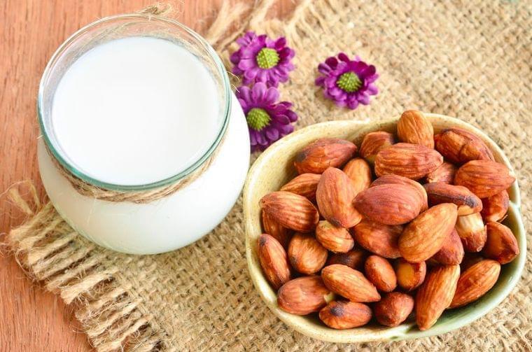 食物繊維のニュース - 甘酒とも合う!?「アーモンドミルク」の美味しい飲み方3つ - 最新ボディケアニュース一覧 - 楽天WOMAN