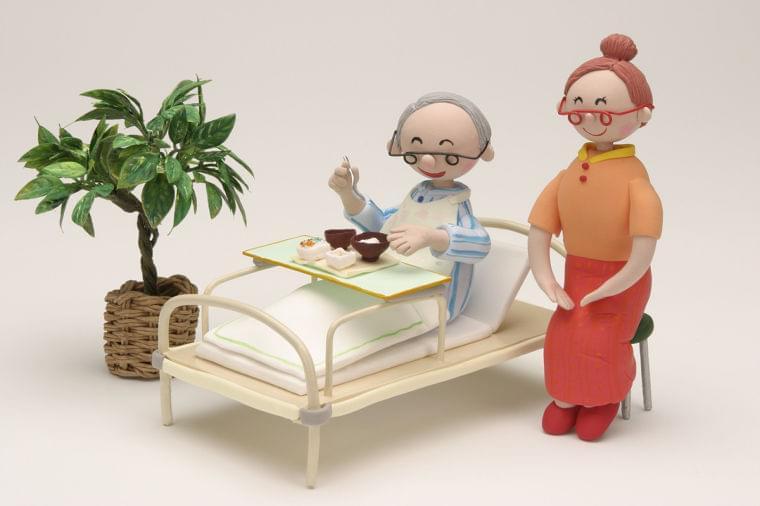 改善策は?高齢者がご飯を食べない理由と対応方法 [介護] All About