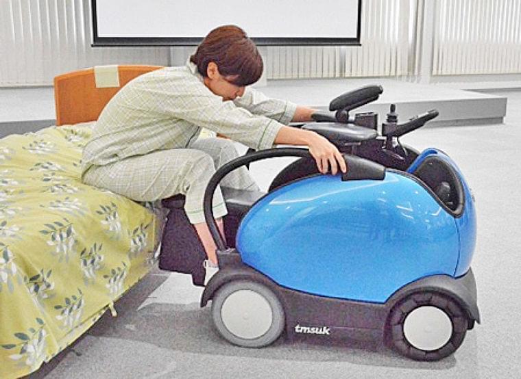 乗る負担軽い次世代電動車いす 国内初、病院に「ロデム」(京都新聞) - Yahoo!ニュース
