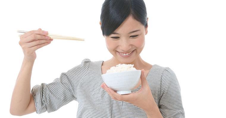 糖質は「ほどほど」が長生き!?糖質制限で肉摂りすぎにもご注意|男の健康|ダイヤモンド・オンライン