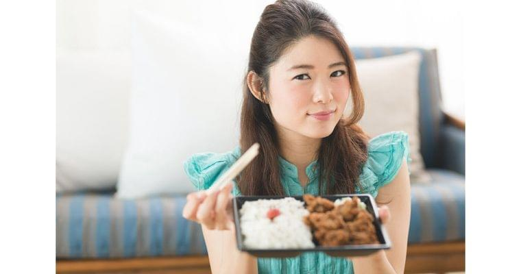 こんな食事じゃ体は砂漠化…女性が欠いている栄養素|WOMAN SMART|NIKKEI STYLE