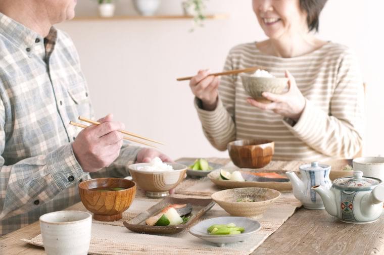 食事中の誤嚥を防ぐための手軽なトレーニングとは(デイリースポーツ) - Yahoo!ニュース