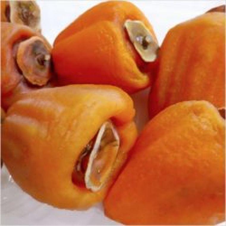 秋の果物「柿」は、食べ方によって栄養が変わる!? - 最新グルメニュース一覧 - 楽天WOMAN