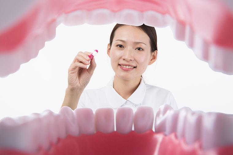 歯周病が招く怖い病気!オーラルフレイル予防が健康長寿のカギだった (1/1)| 介護ポストセブン