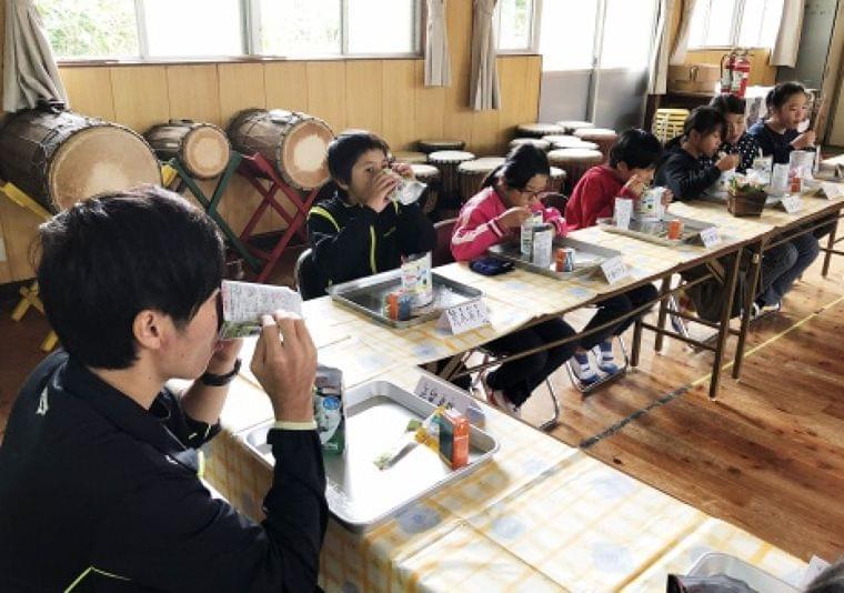 黒島で非常食訓練 中学生4人で給食準備 片泊小中学校 | 鹿児島のニュース | 南日本新聞 | 373news.com