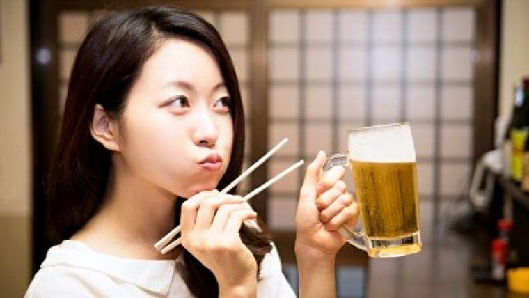 「空きっ腹だと酔いがまわる」 どうして?   Mocosuku(もこすく)
