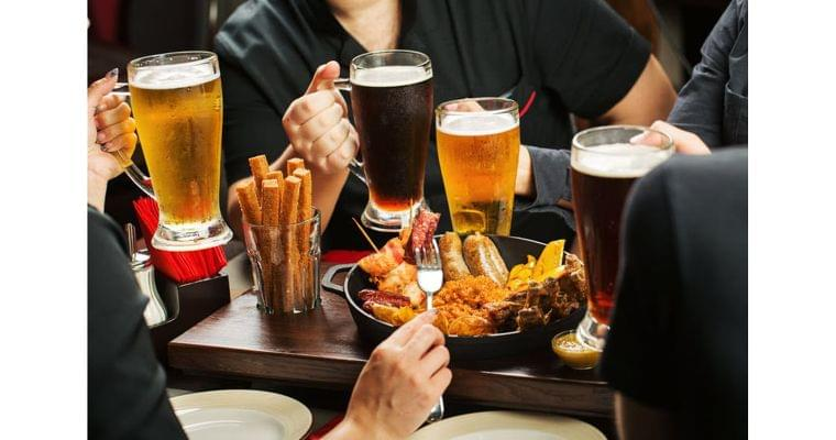 「適量の飲酒なら中性脂肪は上がらない」ってホント?|ヘルスUP|NIKKEI STYLE