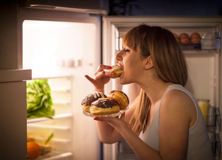 質の悪い睡眠が肥満に直結するメカニズム | プレジデントオンライン