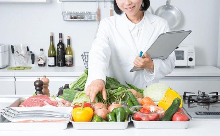 栄養士がアドバイス! シニアの食事の課題に気軽に取り組める工夫   ニコニコニュース
