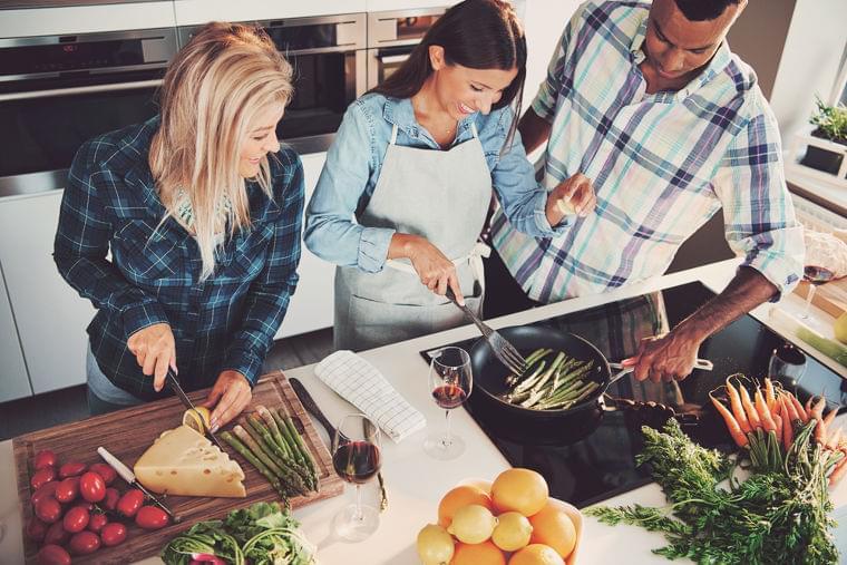 ジェイミー・オリヴァー監修!英テスコの余剰食品を使った料理教室 | 世界のソーシャルグッドなアイデアマガジン | IDEAS FOR GOOD