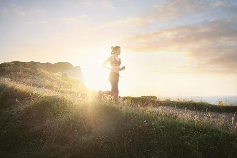 なぜ「体を動かすと健康にいい」と言われるのか。運動がもたらす4つの効果 | 健康×スポーツ『MELOS』