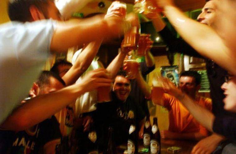米国でビール離れ進む、健康意識高い若年層中心に-代替品豊富で - Bloomberg