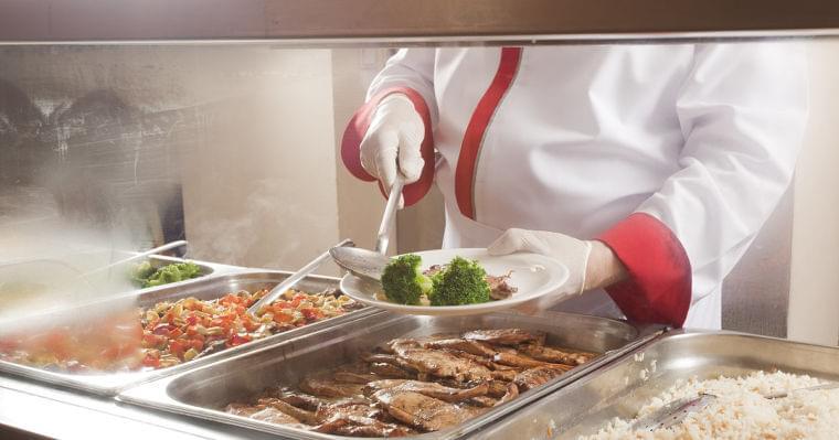 廃棄される給食がお弁当に変身。アメリカの小学校で画期的な試み | ハフポスト