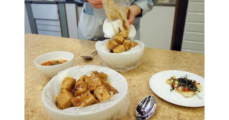 試しておきたいポリ袋調理術 災害時にも温かい料理を WOMAN SMART NIKKEI STYLE