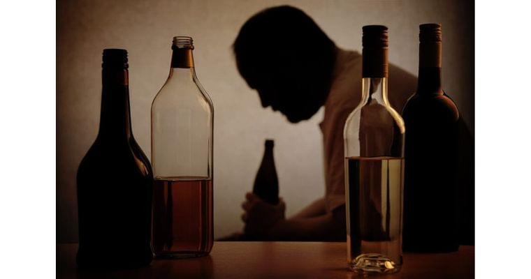 惰性で大酒続けた人を襲う「重症型アルコール性肝炎」|ヘルスUP|NIKKEI STYLE