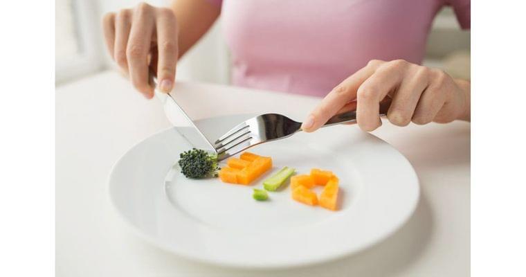 健康にみえる粗食と断食の盲点 筋肉や骨が細る恐れも|ヘルスUP|NIKKEI STYLE